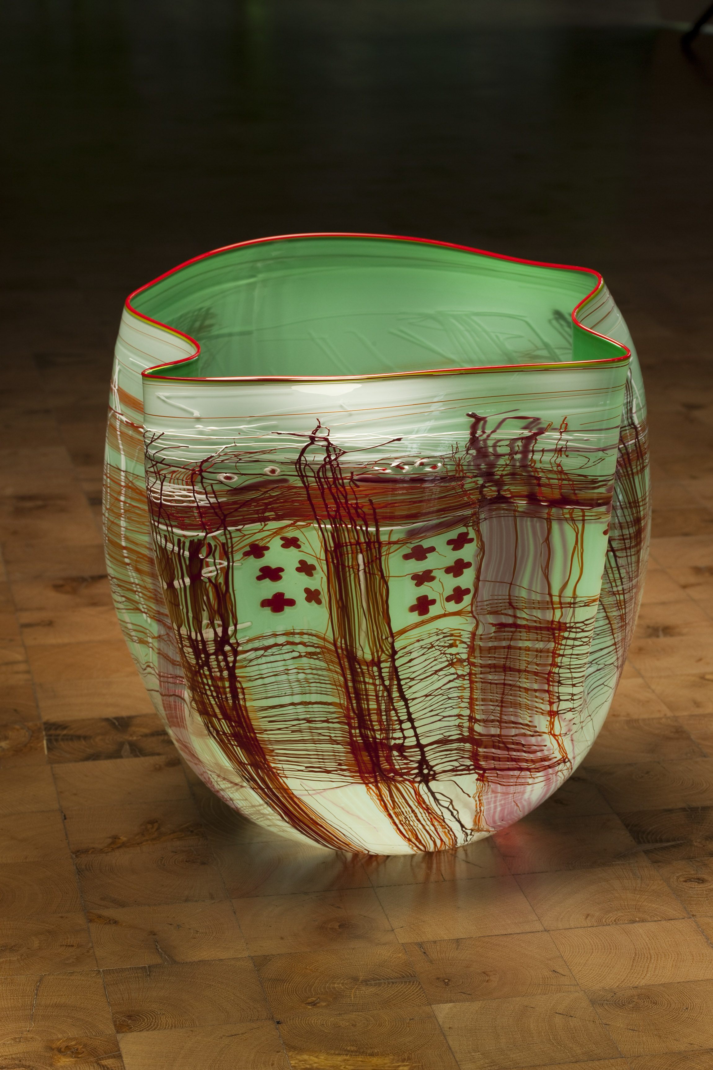 Dale Chihuly, Mint Green White Soft Cylinder with Cherry Lip Wrap, 2012, 51 x 48 x 38 cm
