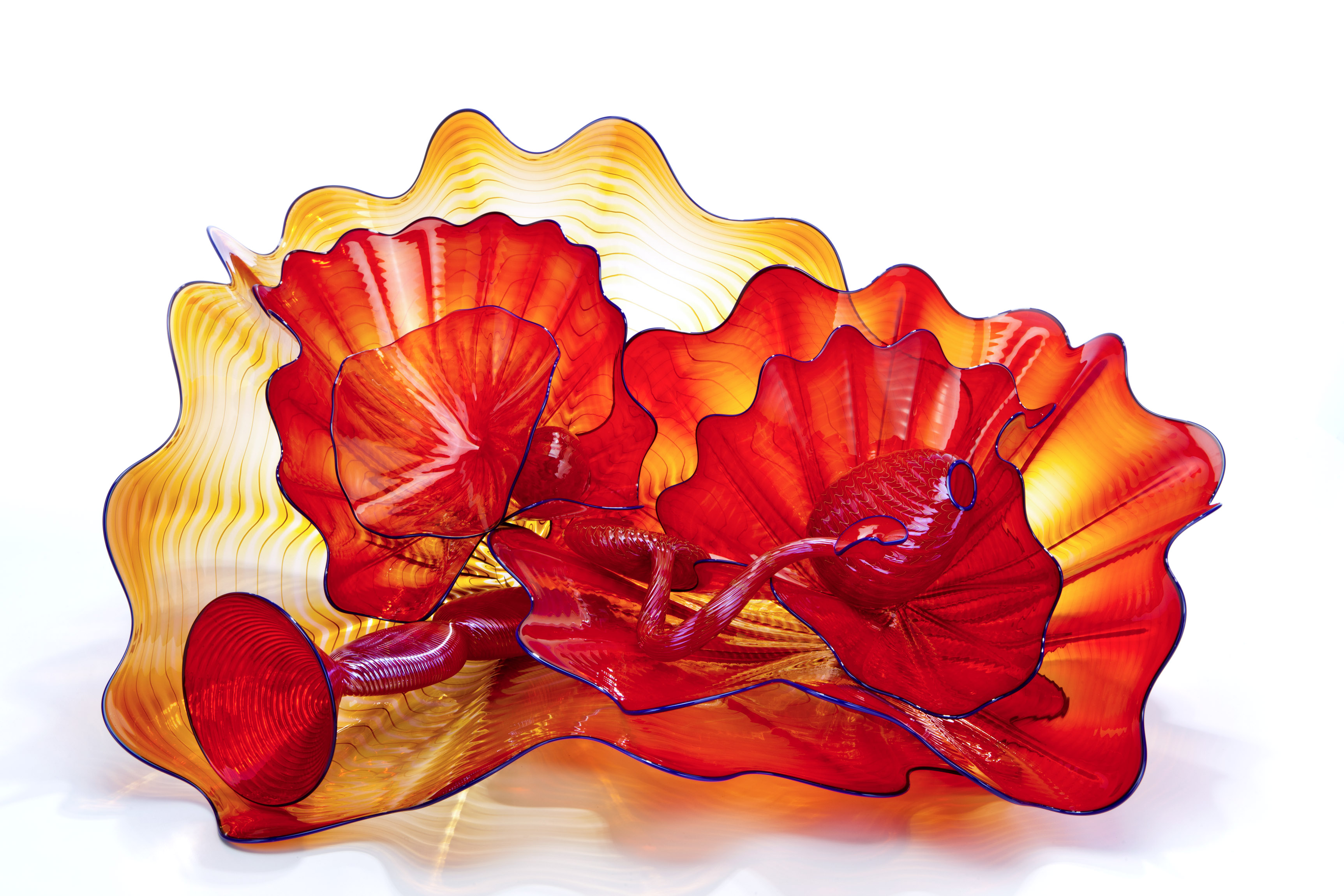 Dale Chihuly, Scarlet Persian Set with Cerulean Lip Wraps, 2012, 33 x 71 x 61 cm