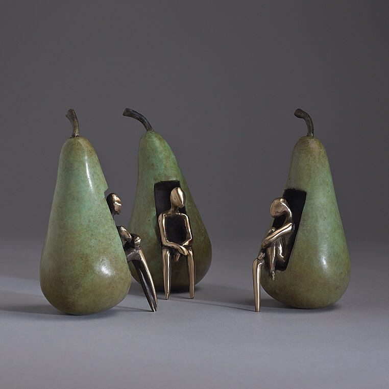 Orla de Bri, Conference Pears, bronze edition of 5