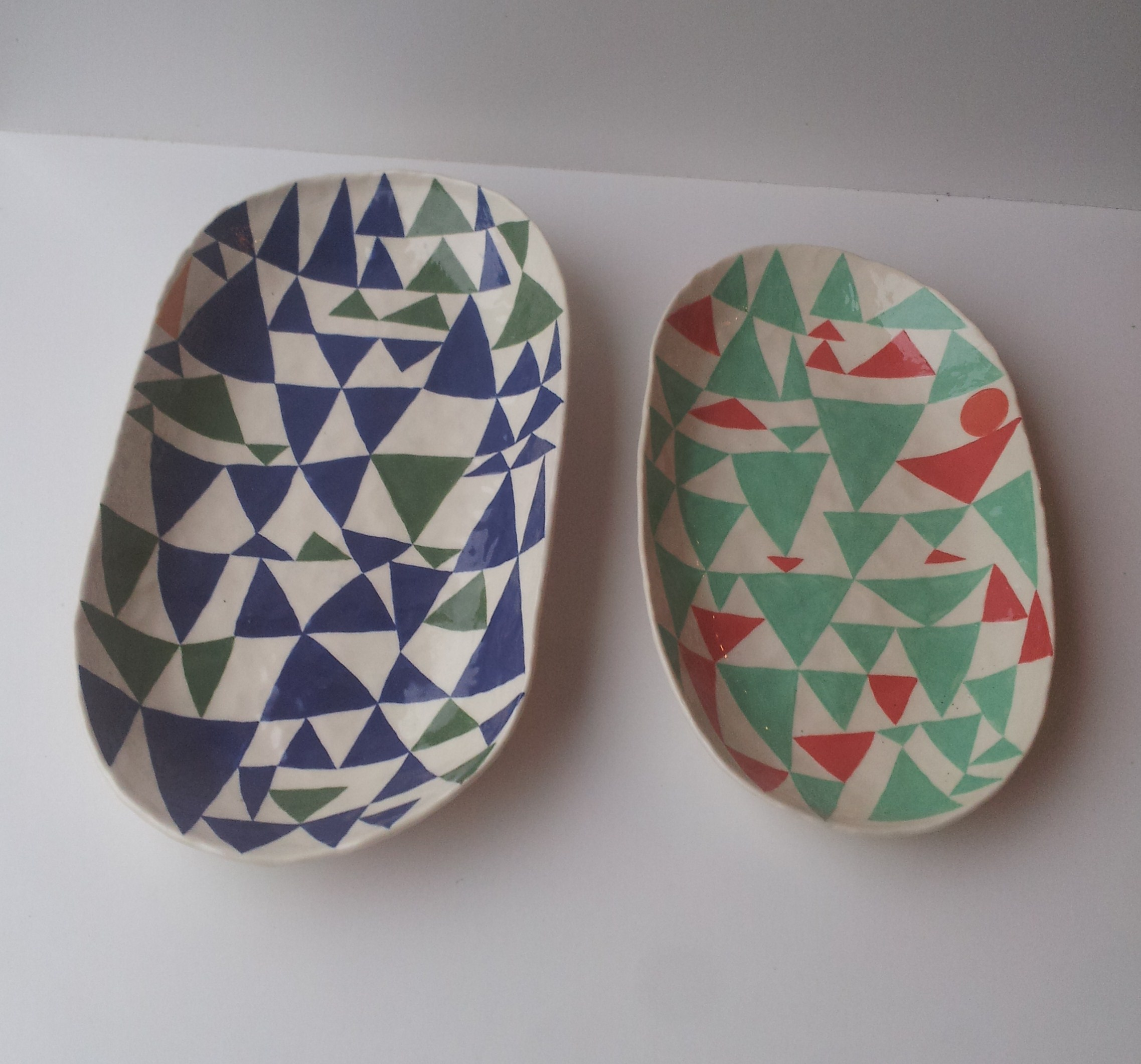 Andrew Ludick, Triangle Plate (green blue) 30 x 20 cm EUR 290 and Triangle Plate (green red) 25 x 18cm, EUR 240
