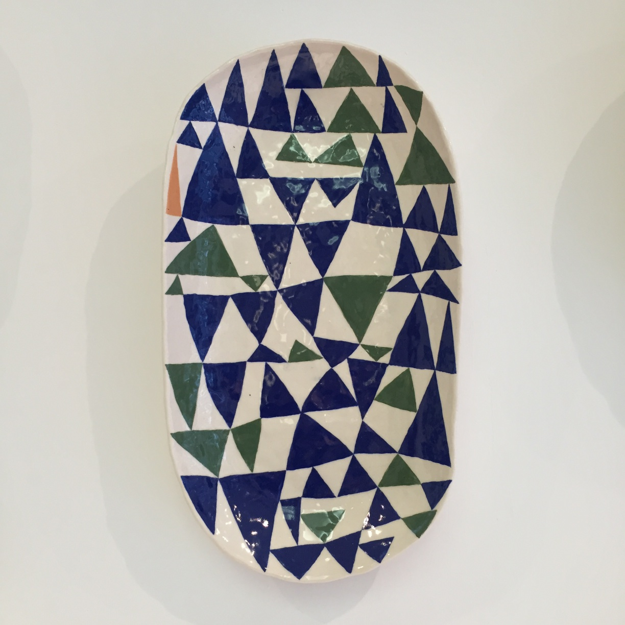 Andrew Ludick, Triangle Plate (green blue) 30 x 20 cm EUR 290