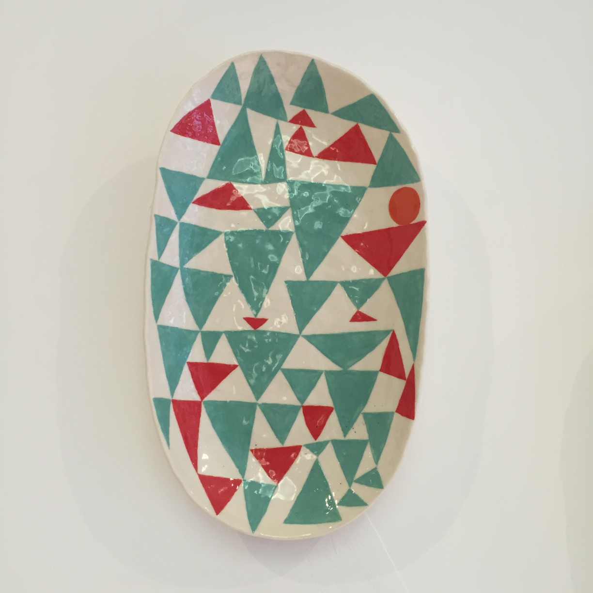 Andrew Ludick, Triangle Plate (green red), 25 x 18cm, EUR 240