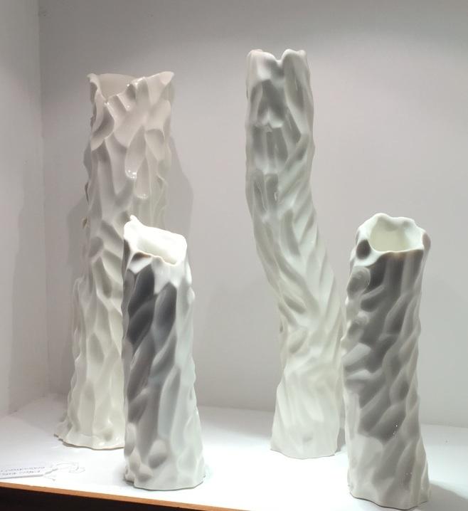 Karen Morgan, Undulation Small 1, porcelain, Undulation Small 2, porcelain, Undulation Medium, porcelain, Undulation Large, porcelain, 24x7cm, 24x7cm, 39x6cm, 36x12cm