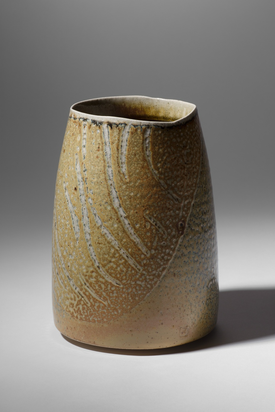 Mandy Parslow, MP07 Barrel Vessel, wood fired salt glazed stoneware, 20 x 14cm, EUR 380