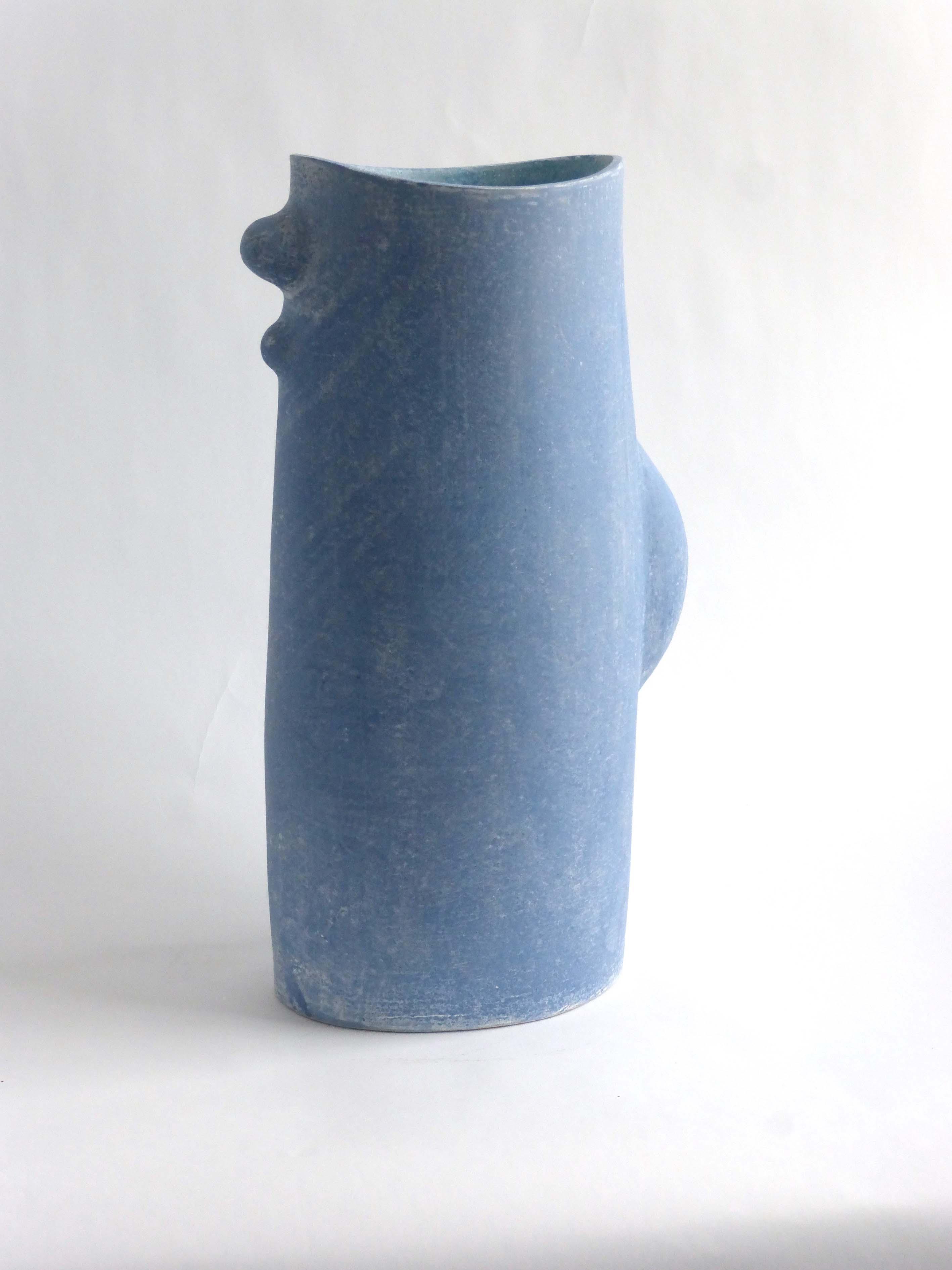 Mike Byrne, Undulate, fired clay, 2014, 43 x 21 x 16cm, EUR 500